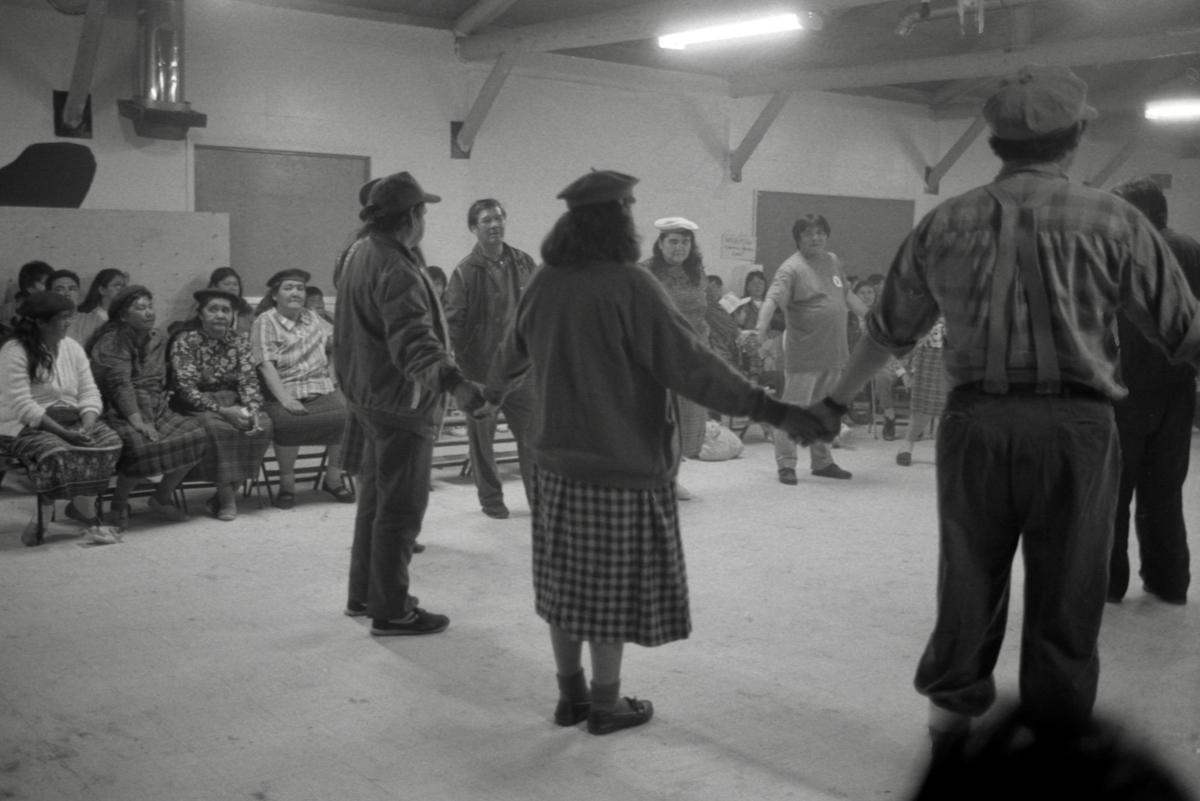 Danse traditionnelle en salle communautaire, Opitciwan