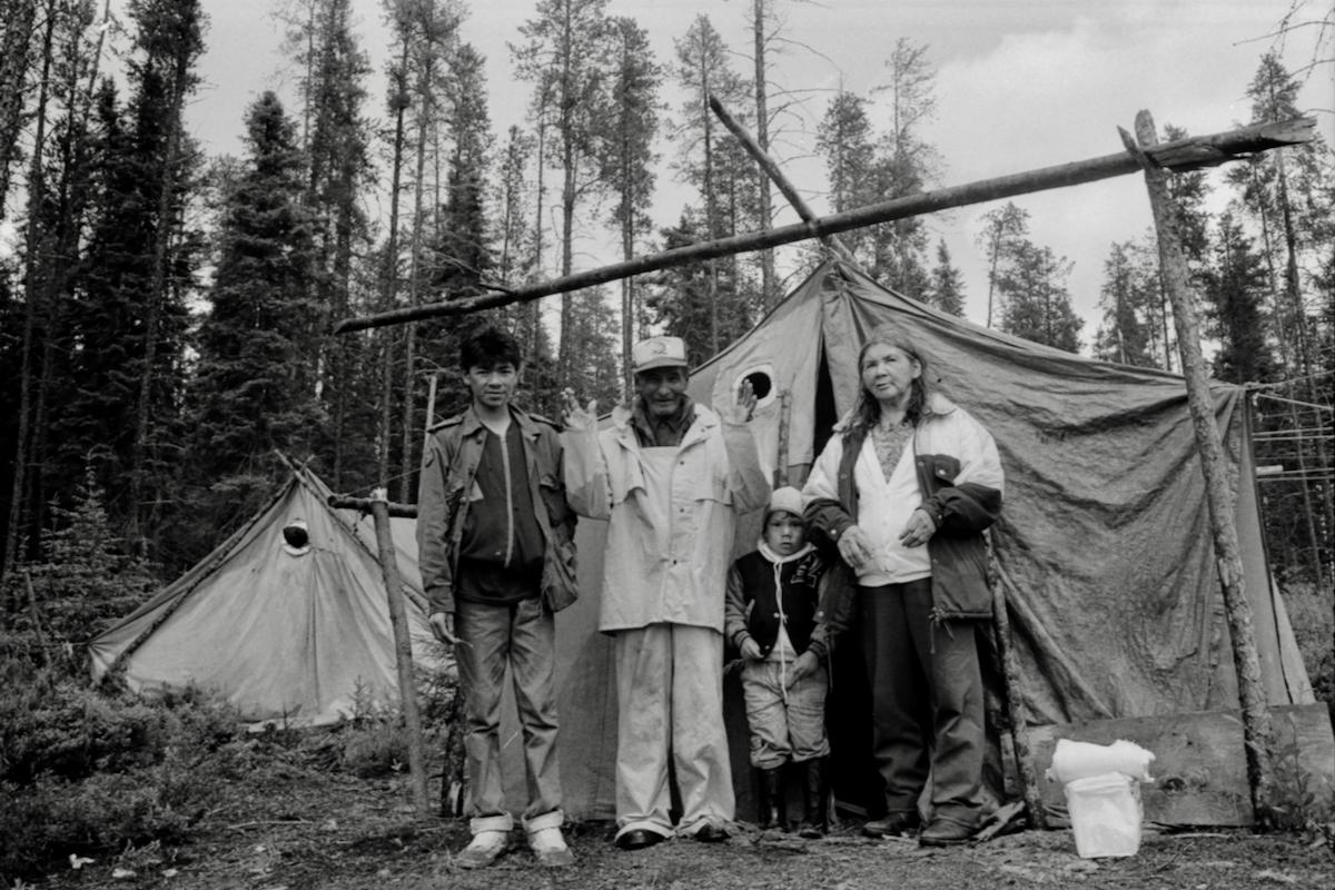 Grands-parents Atikamekw et jeune ado