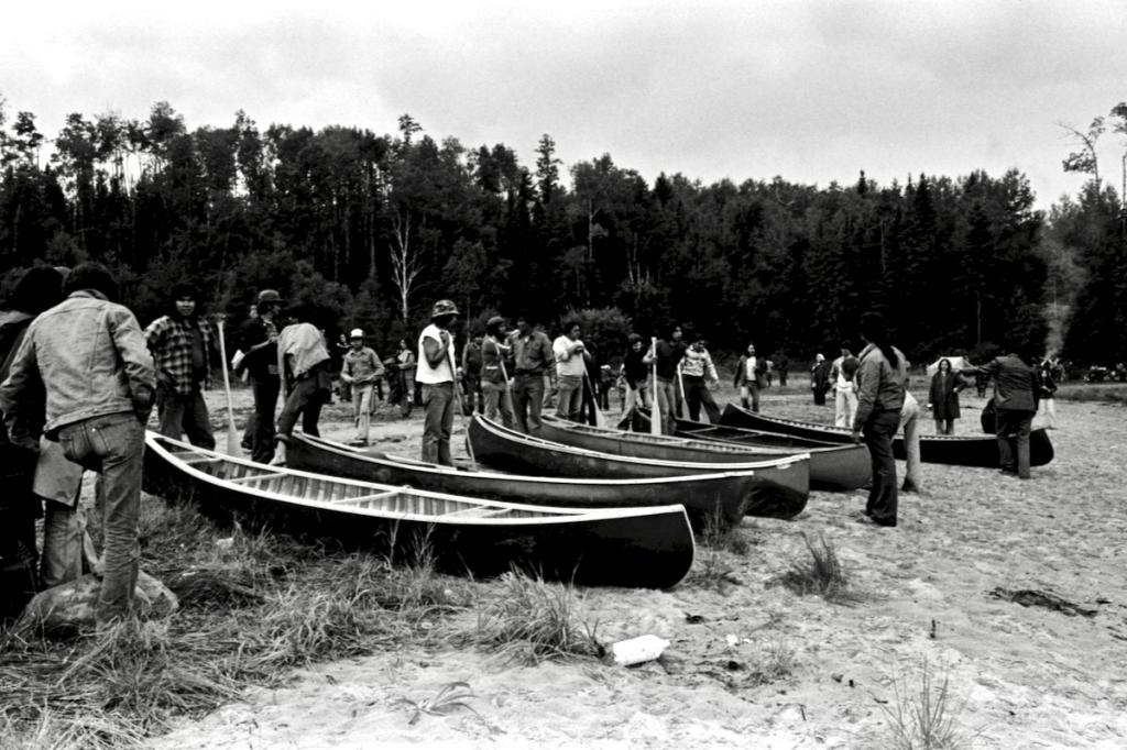 Départ course en canots à Wemotaci